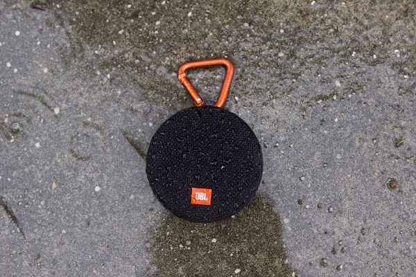 JBL Clip 2 speaker bluetooth impermeabile